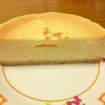 かんらくヤ - ベイクドチーズケーキ…税込1188円