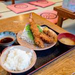 銭形 - 特大エビと大牡蠣フライ定食