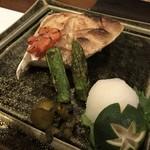 酒処 依屋 - 料理写真:ブリカマ焼き
