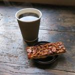 トラベリング コーヒー - コーヒー&(さらさ焼菓子工房の)ナッティー バー2