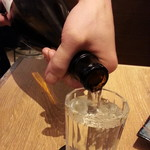 肉汁餃子製作所 ダンダダン酒場 - 純米大吟醸の獺祭 こぼし(150ml)780円 お兄さんが♪