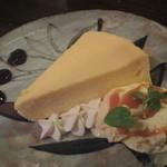 青い鳥のレストラン - 自家製チーズケーキ