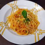 鎌倉パスタ - フレッシュバジルのトマトソースパスタ