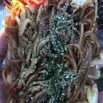 牧之原サービスエリア(上り)スナックコーナー - 太麺に魚粉