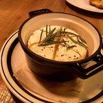 78824657 - カマンベールチーズのオーブン焼き