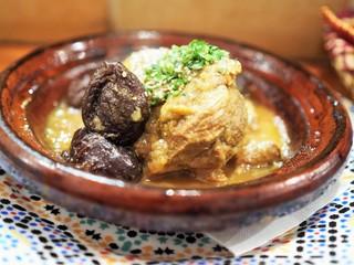 モロッコ料理の台所 エンリケマルエコス - ラム肉とプルーンのタジン