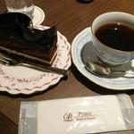 ピカケ - ケーキセット(オペラ)