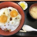 来島海峡サービスエリア フードコート - やき豚たまご飯(¥720)