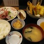 魚がし食堂 中央市場店 - 天ぷら&お刺身定食。