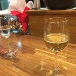 バル OTTO - (左)日本酒 (右)ハウスワイン