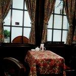 カフェ ド ミンガス - テーブル席に案内される
