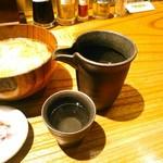 矢場とん - あつ燗は1合で500円(税別) これは安酒の辛味が立ち、美味しくなかった(笑)。