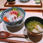 福伸はなれ利久 - 海鮮丼とあおさ汁