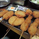 78857176 - 右から牡蠣、レンコン、豚、うえがマッシュルーム