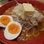 みそ吟 - 札幌(味噌)ラーメン(たまご、バタートッピング)