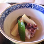 国登録文化財 二木屋 - 多喜合せ 新筍美味煮、蛸柔煮、衣さや、梅麩、鮭昆布巻、針柚子
