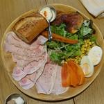 NAAK CAFE - 農民のご馳走プレート980円(税抜)