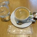 NAAK CAFE - ブレンドコーヒー180円(税抜)