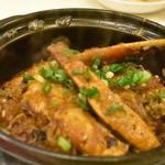 翠蓮 - 蟹と春雨の土鍋煮 :某テレビ番組にて紹介された料理です。蟹のお出汁を春雨が吸って春雨がメインと言って良い一品です。また、豆鼓もたっぷり入っていておいしくいただきました。提供前のパフォーマンスは一見の価値ありです!