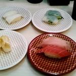 魚べい - 料理写真:マグロ、ビンチョウマグロ、こういか、いか、つぶ貝