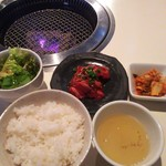 焼肉 六区 - ハラミ定食1,000円