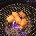 焼肉 六区 - マルチョウ