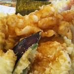 78873141 - 海老と牡蠣の天丼のアッブ