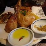 丸鶏 るいすけ - 丸鶏の素揚げ