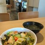 奥山安蔵商店 Mie Restaurant & Bar グローバルゲート店