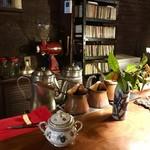 cafe 螢明舎 - 1枚だけ手元の範囲で雰囲気を