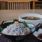 岸和田サービスエリア(下り線)レストラン - 料理写真:しらす丼