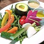 78885647 - 産直新鮮野菜のバーニャカウダ(890円)