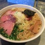 らぁめん 喜乃壺 - 煮干蕎麦(塩)750円+大盛100円+焼豚1枚追加100円