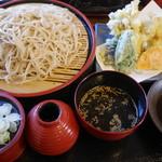 そば処治助 - 料理写真:天ぷらもりそば1,150円。