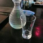 百飲 - 冷酒2合(200円)