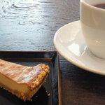 neiro cafe - ランチプレートのチーズケーキ