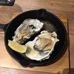 吉祥寺餃子バル あわ屋 - 牡蠣
