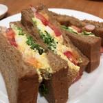 ハーバーズカフェ - えびと卵のチェダーチーズサンド