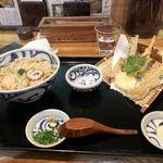 石川うどん - 天ぷらうどん(890円)