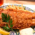 Ottotto BREWERY - 名物白身魚のビッグフィッシュアンド&チップス