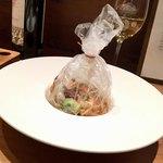 イタリアン アンド ワイン チャコール - ヤガラと小イカの包み焼き