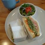 バースブック珈琲 国府店 - トーストモーニング