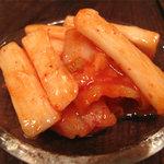 ポコペンのペコポン - アタシの小鉢。長芋とキムチの和え物です。