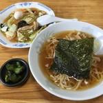 78911273 - サービスランチのAランチ4番 中華丼(小)醤油メン(小)セット770円