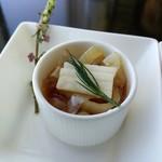 中国菜老四川 飄香 - クラゲと季節野菜の赤酢和え