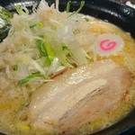 じゃぐら - 料理写真:背脂生姜味噌ラーメン 880円