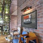 Red&Black SteakHouse  - レストラン入口