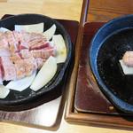 豚ステーキ専門店 かっちゃん - 有料オプションでお肉をおかわりできます。 ラーメンの替玉ならぬ『替肉』ってやつです。