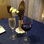 シェ・ムラ - ドリンク写真:たまにはワインも少々・・・
