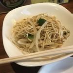隆意小吃店 - 干し豆腐和え(300円)